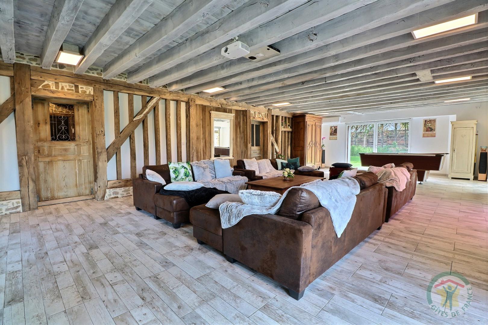 Gîte au bois charmant (salon)