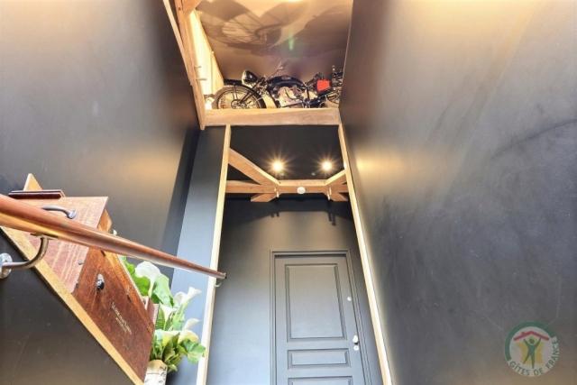 Gîte au bois charmant (Escalier)