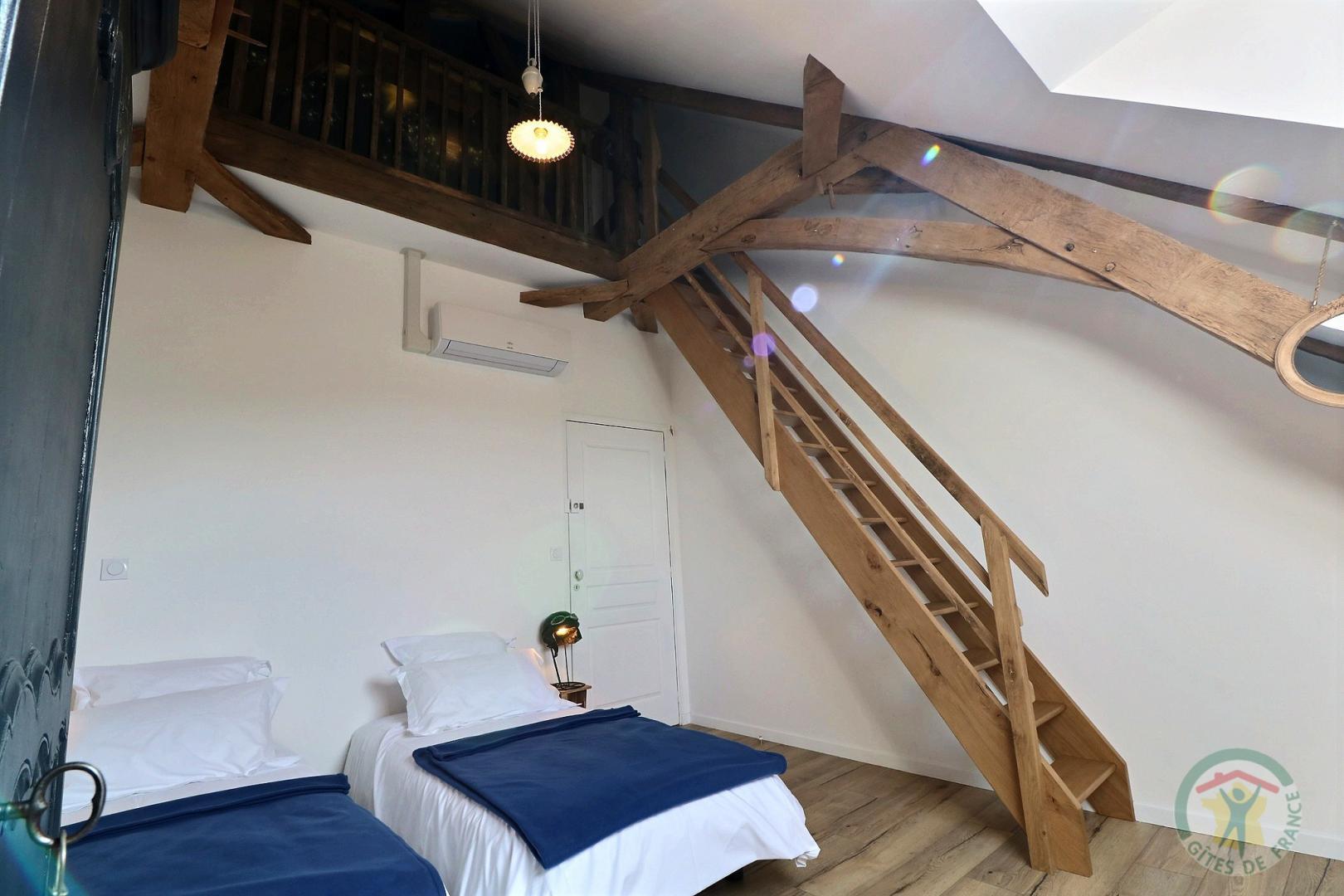 Gîte au bois charmant (4eme Chambre Etage)